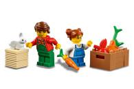 LEGO® 60287 City Traktor Spielzeug, Bauernhof Set mit Minifiguren und Tierfiguren, toll als Geschenk für Jungen und Mädchen ab 5 Jahren
